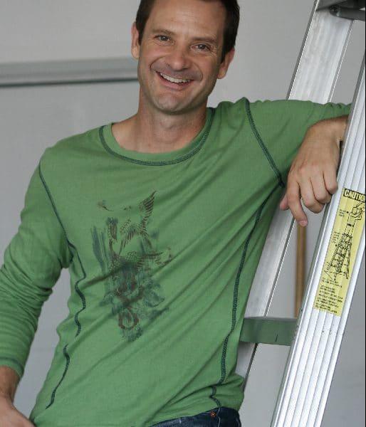 Green Shirt Ladder (1)